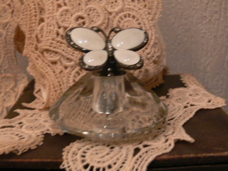 Parfumflesje kristal witte vlinder