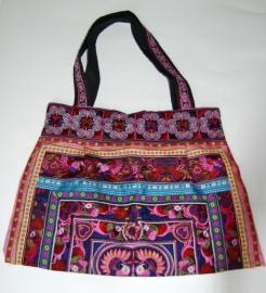 Kleurrijke tassen uit Thailand