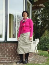 Remy rok met in zijnaad plooien