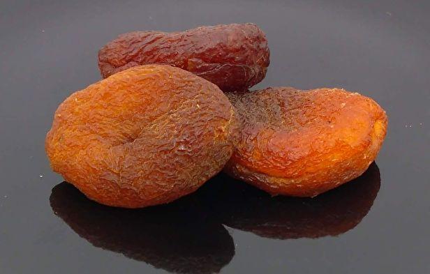 Biologische ongezwavelde abrikozen