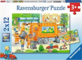 Ravensburger Onderweg met de vuilniswagen en veegmachine - Twee puzzels - 12 stukjes -C-Multi Color