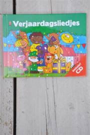 Verjaardagliedjes Incl CD-Interstat- div kleuren