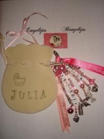 Babyhanger Julia