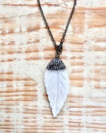 Mother of Pearl feather | Ibiza ketting