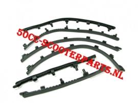 Treeplank rubbers Vespa Lx S lxv 57346R
