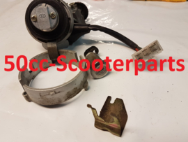 Contactslot compleet 1 sleutel Kymco dink 7007129 35010-KBE-E000