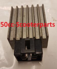Spanningsregelaar 301300-139Qma Baotian Symex Speedy Gebruikt