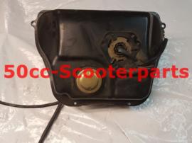 Benzinetank Compleet Peugeot Tweet 50 Px 802675 Gebruikt