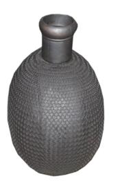 ijzeren pot zwart metaal met gaas M
