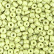 Rocailles 8/0 (3mm) Luminary green 10 gram 72389