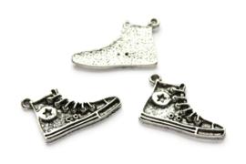 Sneaker, metalen hanger/bedel, 30x20mm, Zilver, per stuk