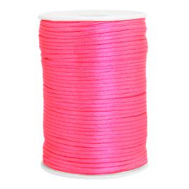 Draad van satijn 2.5mm Neon Pink 72131 per meter
