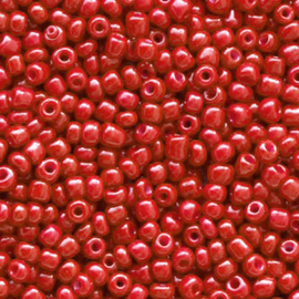 Rocailles 12/0 (2mm) Crimson red, 10 gram 68337