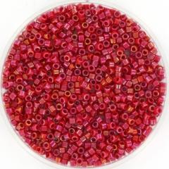Miyuki delica's 11/0 - opaque luster red 214 per 2 gram circa 400 st.