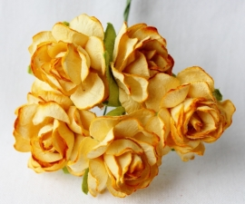 WILD ORCHID CRAFTS - Gold-Yellow Paper Wild Roses 30mm - 5 stuks