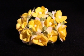 WILD ORCHID CRAFTS - SWEETHEART BLOSSOM 2-TONE YELLOW 15 mm - bosje met 10 stuks