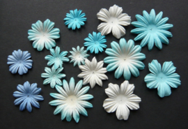 WILD ORCHID CRAFTS - MULBERRY PAPER BLOOMS - 20 stuks Assorti BLUE/WHITE TONE 2 cm - 5 cm