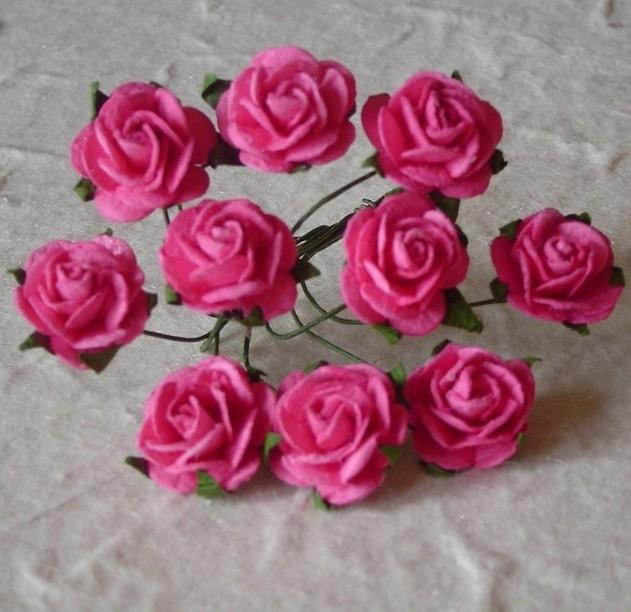 WILD ORCHID CRAFTS - MULBERRY PAPER OPEN ROSES 15 mm Deep Pink - bosje met 10 stuks