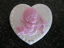 Cupido op hart