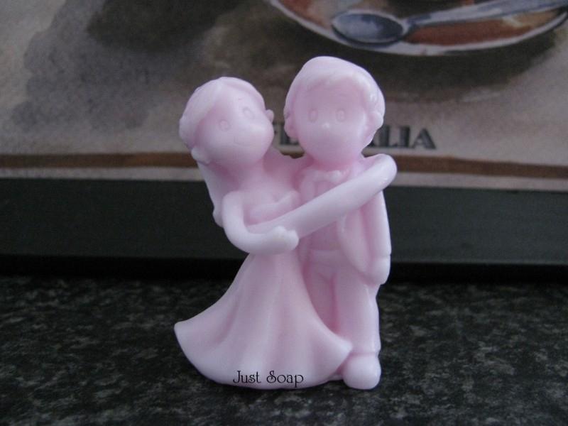 Bruidspaar in trouwring