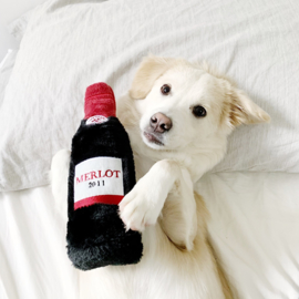 ZippyPaws Happy Hour Crusherz – Red Wine
