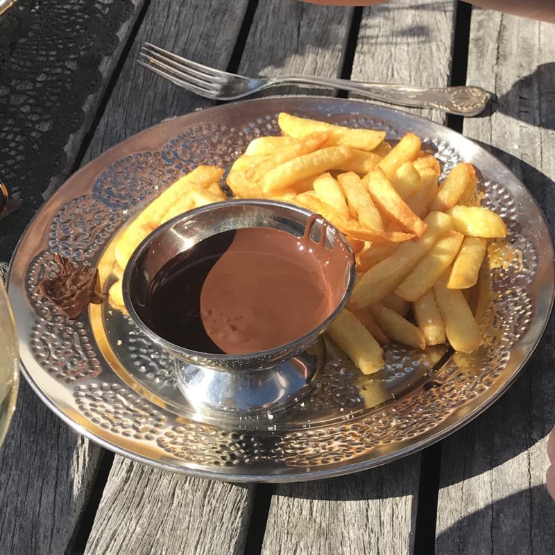Een frietje met: chocolade!