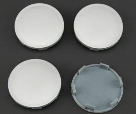 Set van 4 zilvergrijze naafdoppen, buitenmaat doorsnede 63 mm en klemmaat 58,5 mm