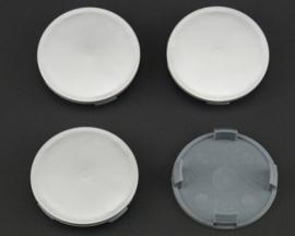Set van 4 zilvergrijze naafdoppen, buitenmaat doorsnede 64,5 mm en klemmaat 60 mm