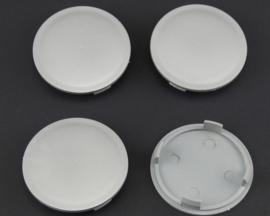 Set van 4 zilvergrijze naafdoppen, buitenmaat doorsnede 69,5 mm en klemmaat 63 mm