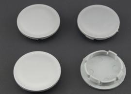 Set van 4 zilvergrijze naafdoppen, buitenmaat doorsnede 66,5 mm en klemmaat 56 mm