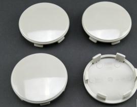 Set van 4 licht gebolde cremekleurige naafdoppen, buitenmaat 60 mm en klemmaat 55 mm