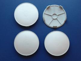Set van 4 licht gebolde zilvergrijze naafdoppen, buitenmaat 68 mm en klemmaat 65,5 mm