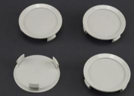 Set van 4 lichtgrijze naafdoppen, buitenmaat doorsnede 74 mm en klemmaat 66 mm
