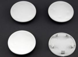 Set van 4 zilvergrijze naafdoppen, buitenmaat 69,5 mm en klemmaat 55,5 mm