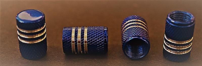 Set van vier alu ventieldopjes in blauw metallic met zilverkleurige ringen