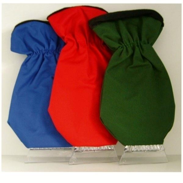 IJskrabber met blauwe waterafstotende met fleece gevoerde handschoen