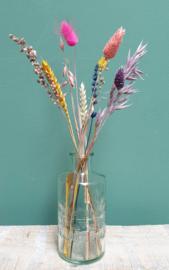 Glazen rond vaasje met droogbloemen