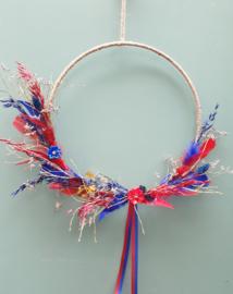 Droogbloemen krans Rood/Blauw 38 cm
