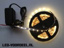 Led strip 5 meter Warm wit + Voeding + Plug