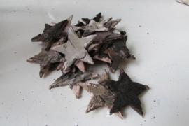 Sterretjes van hout/schors  4 cm