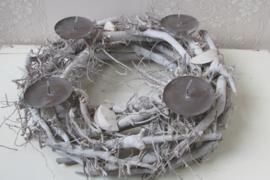 Krans 45 cm  met kaarsenhouders, grijs/wit