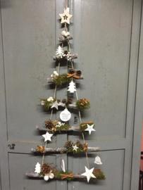 Kerstboomladder met decoratie (nog 6 beschikbaar) dit is een workshop