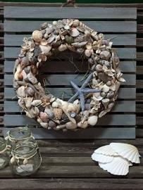Krans van de zee op hout, graag via de mail opgeven.