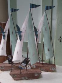 Boot van metaal en hout 34 cm
