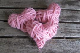 Roze hartjes (per 3) 8 cm