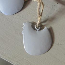 kip van metaal, grijs  per 10 stuks (4 cm)