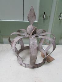 Kroon van metaal (zink) 20 cm hoog