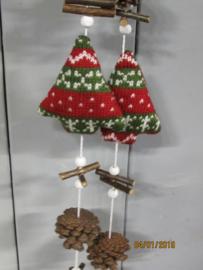 Guirlande met stoffen kerstboompjes