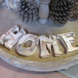Letters HOME van schors
