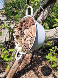 Insecten hotelpannetje ( dit is een workshop bij ons op locatie)